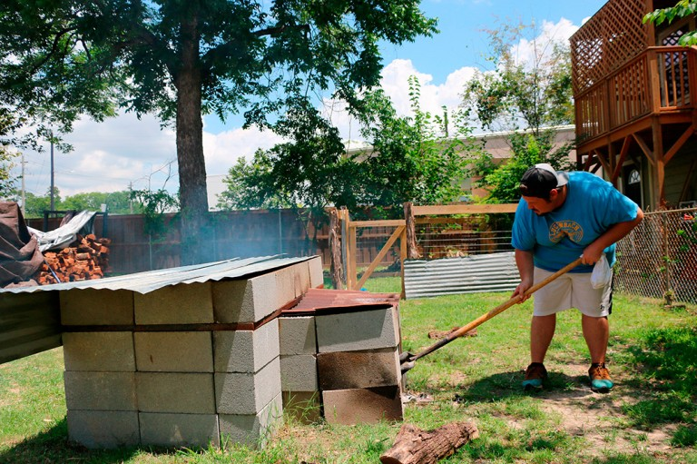 Pinkertons-BBQ-pit