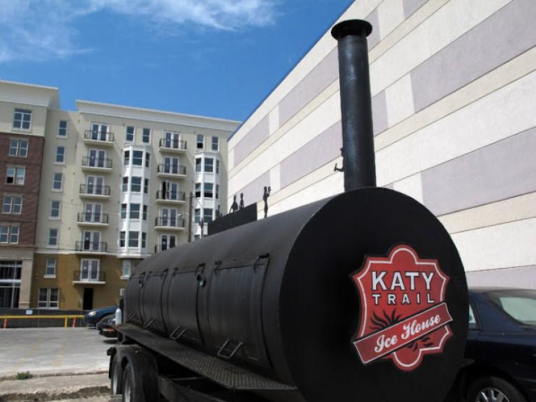katyBBQ001