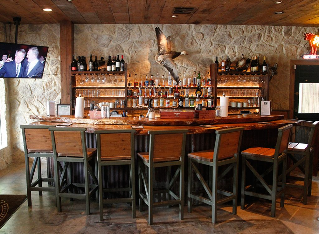 Photo of the bar at Pinkerton's Barbecue in Houston.