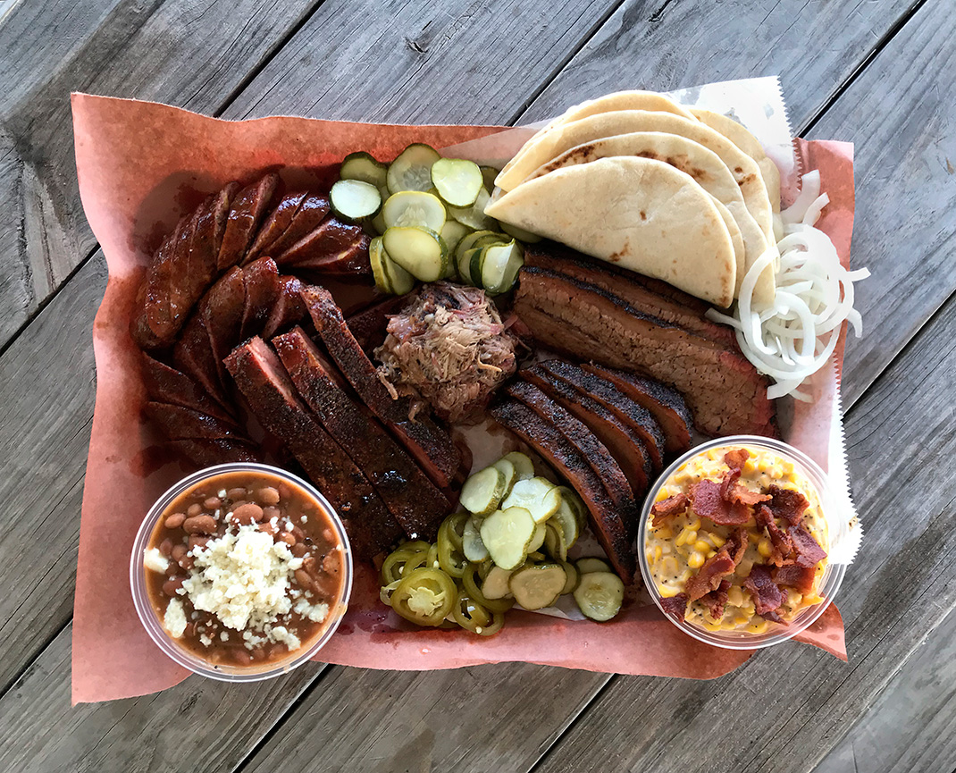 Here S A Great Dfw Barbecue Destination Flores In Whitney Texas Bbq Posse